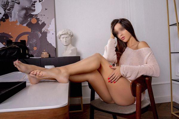 Мила — закажите эту проститутку онлайн в Ялте